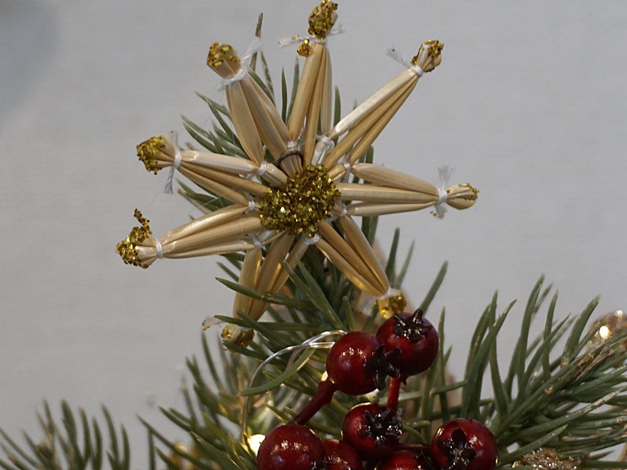 クリスマス アーティフィシャルツリーの藁の星