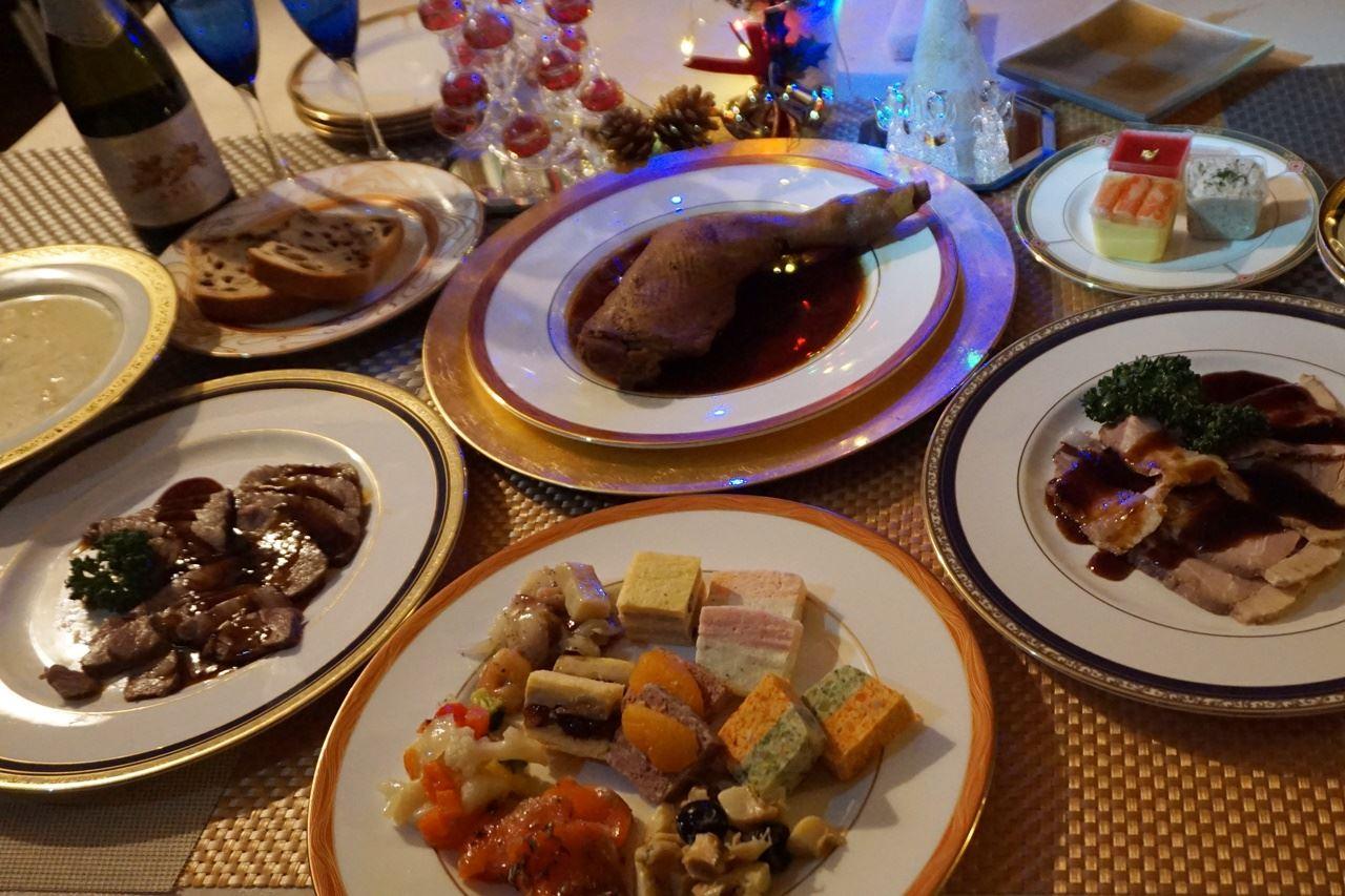 【たわらや】ローストビーフ・ローストポーク・ローストチキン揃い踏みのクリスマスの食卓